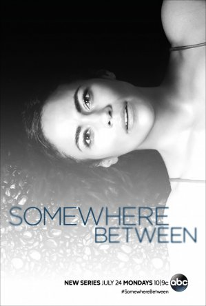Где-то между / Somewhere Between (Сезон 1) (2017)